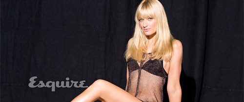 "Beth Behrs de ""Two Broke Girls"" posa para Esquire"