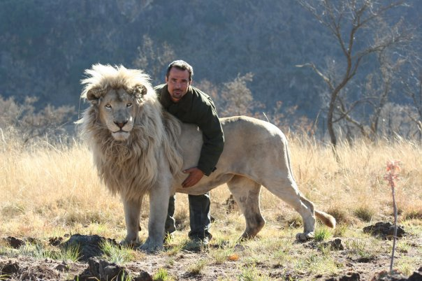kevin-richardson-the-lion-whisperer-facebook-page-